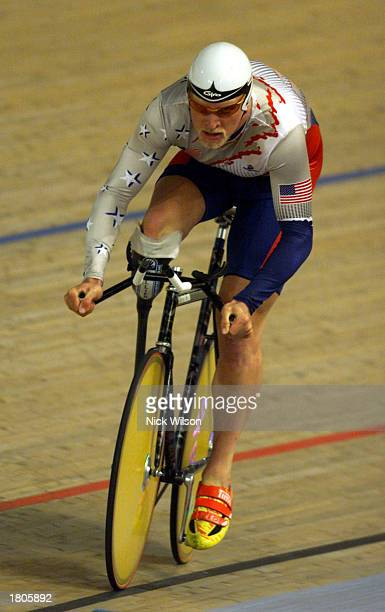 Dory Selinger of USA in action during the Mixed 1 Kilometre Time Trial LC2 Final during the Sydney 2000 Paralympics cycling at the Dunc Gray...