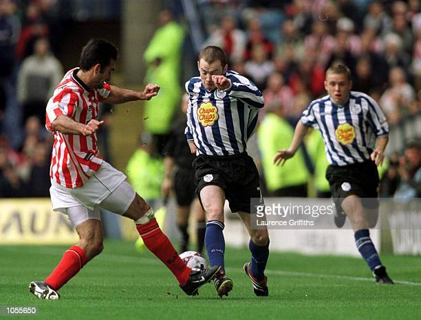 Alan Quinn of Sheff Weds battles with Shuan Murphy of Sheff Utd during the Sheffield Wednesday v Sheffield United Nationwide Division One match at...