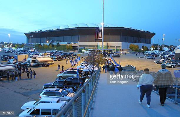 during the game at the Pontiac Silverdome in Pontiac Michigan The Rams defeated the Lions 350 DIGITAL IMAGE Mandatory Credit Tom Pidgeon/Allsport