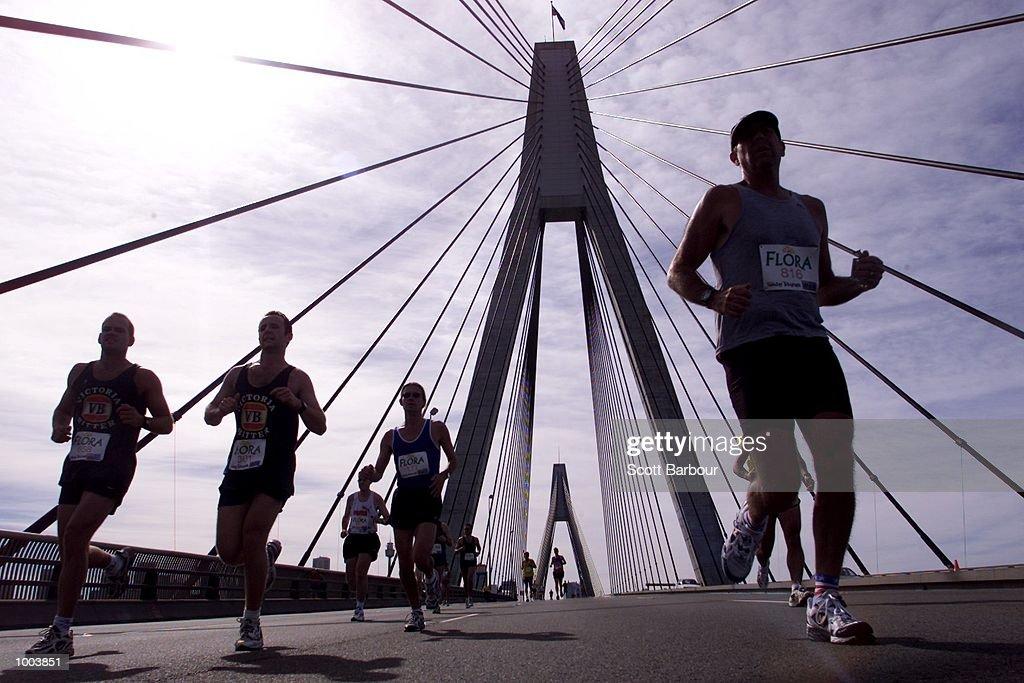 General view as runners cross the Anzac Bridge during the Flora Sydney Marathon held through the streets of Sydney in Australia. DIGITAL IMAGE. Mandatory Credit: Scott Barbour/ALLSPORT