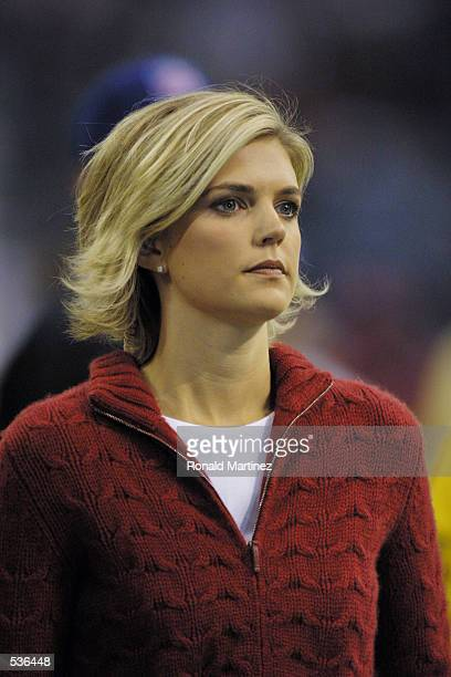Reporter Melissa Stark with ABC during the game at Texas Stadium in Irving Texas The Cowboys defeat the Redskins 97 DIGITAL IMAGE Mandatory Credit...
