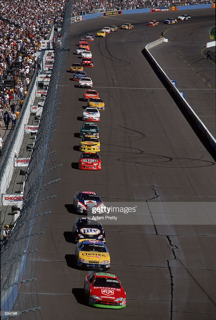 Phoenix Auto Parts >> The Start Of The Checker Auto Parts 500 At Phoenix