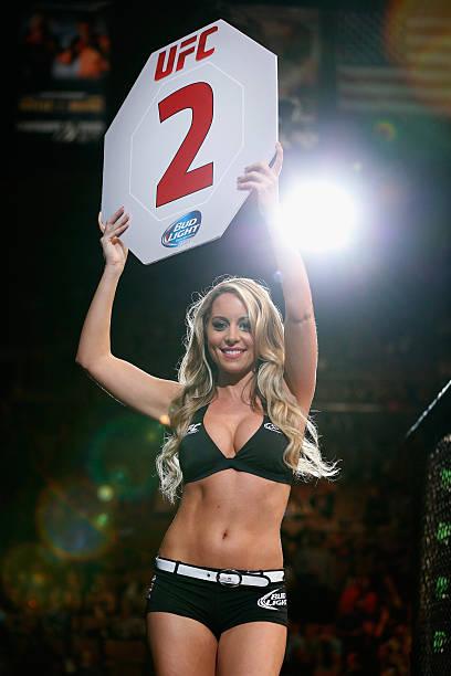 UFC 175: Hall v Santos