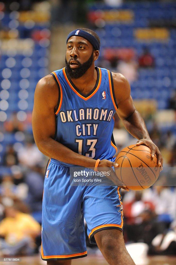NBA: OCT 06 Preseason - Thunder v Bobcats : ニュース写真