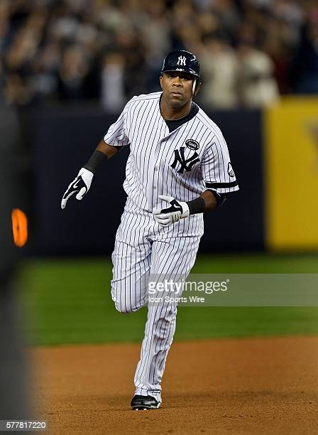 NY Yankees Vs Minnesota Twins Game 3 ALDS Yankees Marcus Thames rounds the bases on his two run homer in the 4th inning