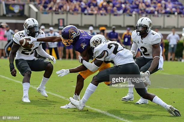 East Carolina Pirates wide receiver Zay Jones reaches the ball over the plane for a touchdown in a game between the East Carolina Pirates and the...