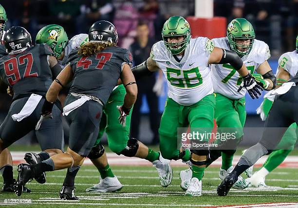 Oregon Ducks offensive lineman Shane Lemieux during the game between Oregon Ducks and the Washington State Cougars at the Martin Stadium in Pullman...