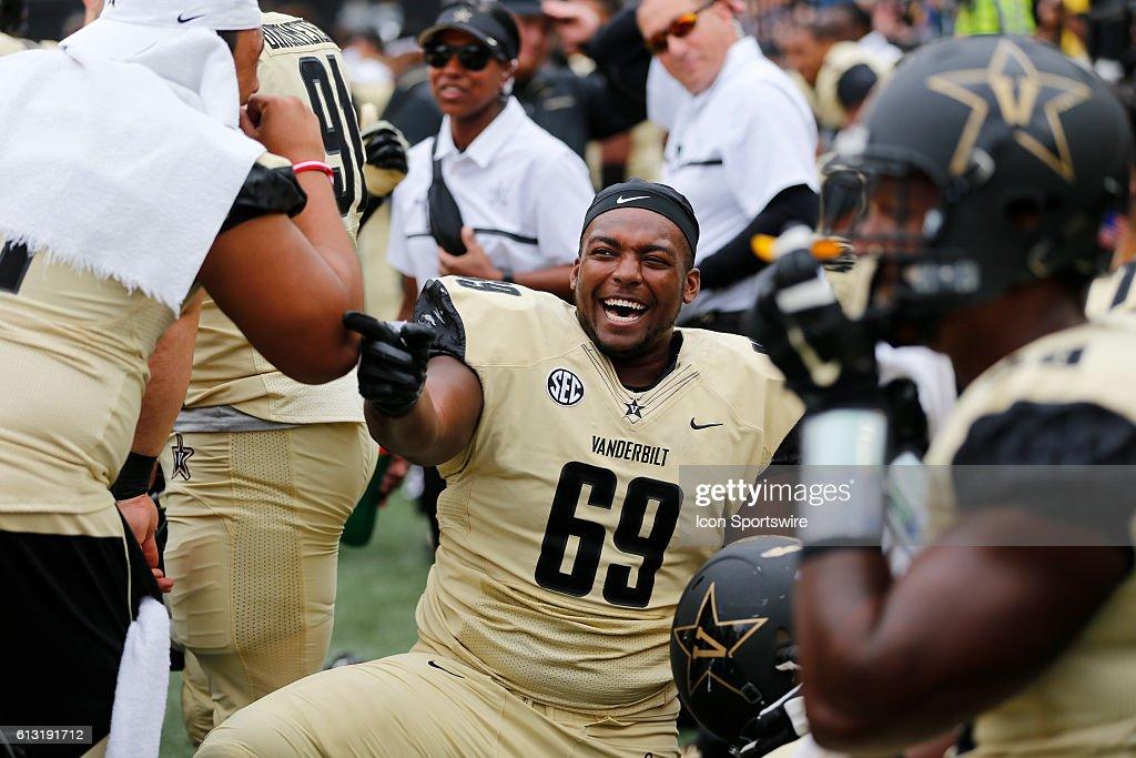 NCAA FOOTBALL: OCT 01 Florida at Vanderbilt : News Photo