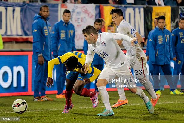 United States' Greg Garza stops Ecuador's Jonathan Gonzalez The Men's National Team of the United States and the Men's National Team of Ecuador...