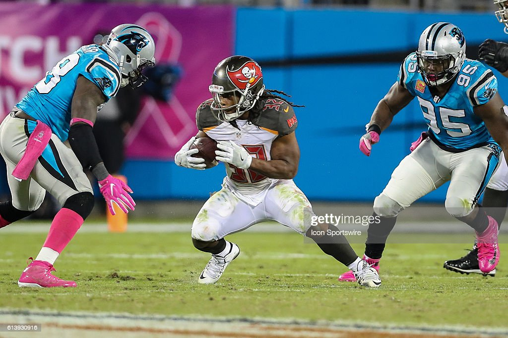 NFL: OCT 10 Buccaneers at Panthers : News Photo