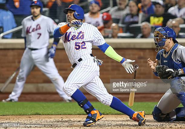 New York Mets center fielder Yoenis Cespedes [6997] bats during Game 4 of the National League Division Series between the Los Angeles Dodgers and the...