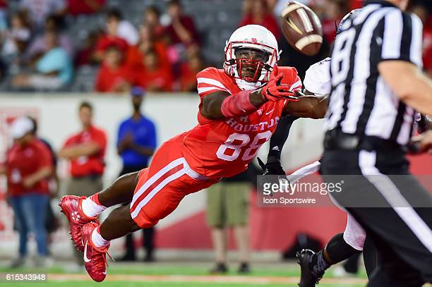 Houston Cougars wide receiver Steven Dunbar dives for an overthrown touchdown pass during the Tulsa Golden Hurricanes at Houston Cougars game at...