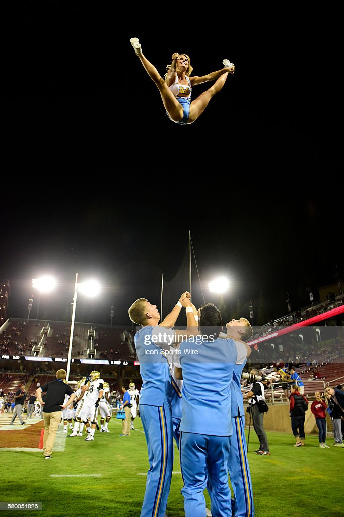NCAA FOOTBALL: OCT 15 UCLA at Stanford : News Photo