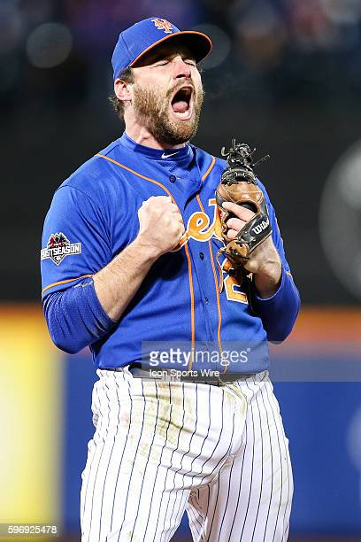 New York Mets second baseman Daniel Murphy [7008] reacts after throwing out Chicago Cubs second baseman Tommy La Stella on a ground ball to finish...