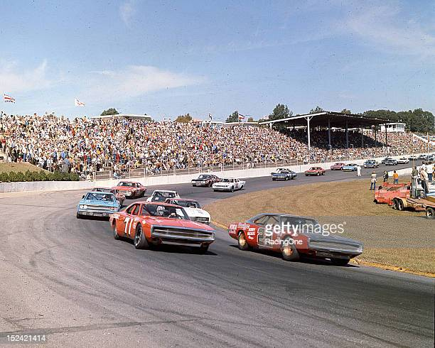 The field gets set for the start of the Old Dominion 500 NASCAR Cup race at Martinsville Speedway Bobby Allison and Bobby Isaac put their Dodge...