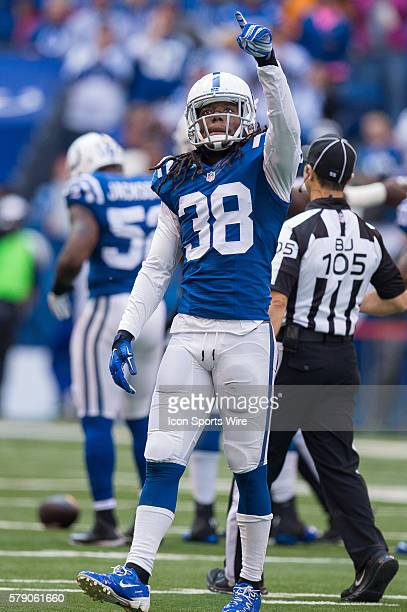 Indianapolis Colts free safety Sergio Brown points to the crowd during a football game between the Indianapolis Colts and Cincinnati Bengals at Lucas...
