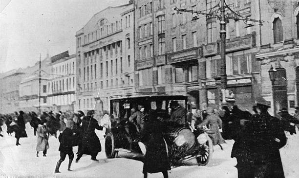People running for cover during a gun battle on Nevsky...