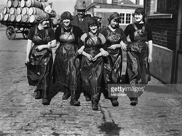 A group of Scottish fishing girls at Yarmouth for the herring season