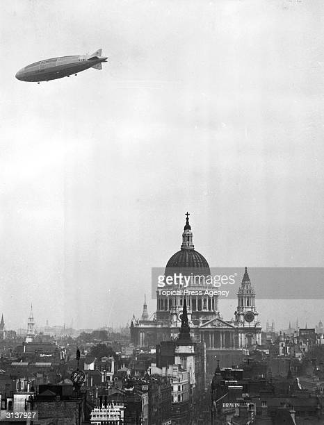 Airship R101 passing over St Paul's Cathedral London as seen from the new Telegraph building