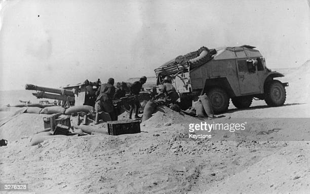 Members of the Italian army removing captured Allied artillery on the Egyptian front