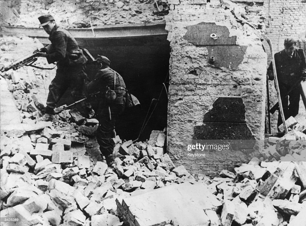 German soldiers fighting in what remains of Warsaw  News Photo