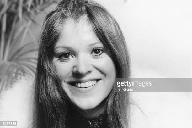 American singersongwriter and guitarist Melanie who had a hit with her single 'Brand New Key' in 1971 in London to play a sellout show at the Albert...