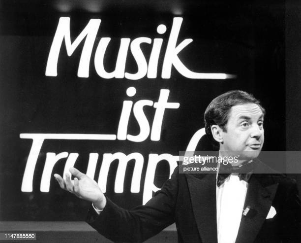 Harald Juhnke stands in front of the logo of his show during the rehearsals of the live show Musik ist Trumpf His career lasted 50 years He was an...