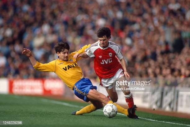 27 October 1990 English Football Division One Arsenal v Sunderland Anders Limpar of Arsenal avoids a tackle from Paul Bracewell of Sunderland