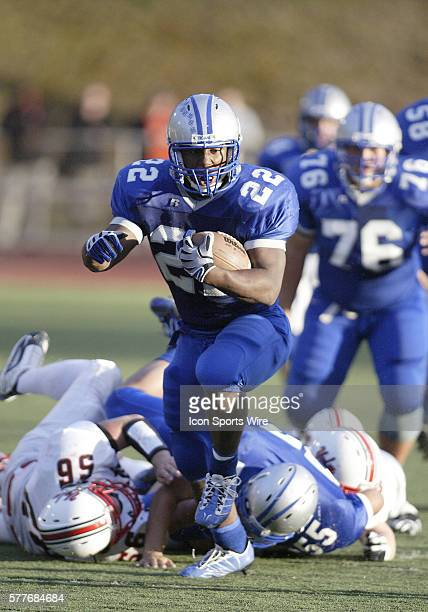 3A Olympic High school running back Larry Dixon breaks free and races down field for a touchdown Dixon broke the West Sound rushing record of 4654...