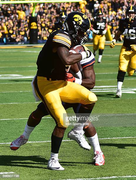 Iowa running back LeShun Daniels runs after catching a pass during a Big Ten Conference football game between the University of Iowa Hawkeyes and the...