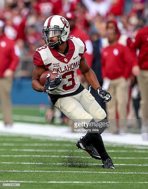 Oklahoma WR Sterling Shepard during a NCAA football game between the Oklahoma Sooners and the Kansas Jayhawks played at Memorial Stadium in Lawrence...