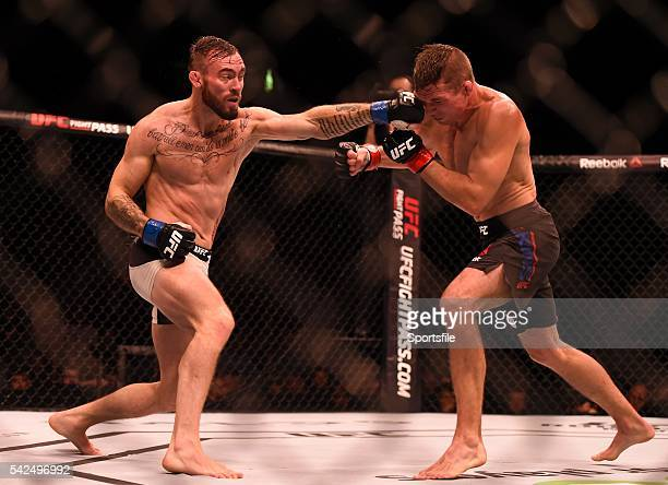 24 October 2015 Robert Whiteford left in action against Darren Elkins UFC Fight Night 3Arena Dublin Picture credit Stephen McCarthy / SPORTSFILE