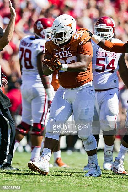 Texas Longhorns defensive lineman Paul Boyette Jr. During the Oklahoma Sooners versus the Texas Longhorns in the Red River Rivalry at the Cotton Bowl...