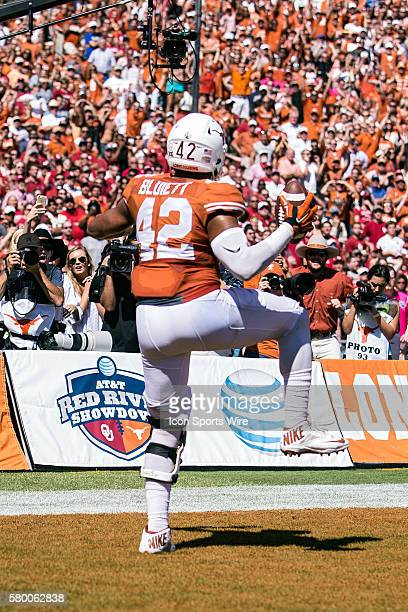 Texas Longhorns tight end Caleb Bluiett celebrates after a touchdown during the Oklahoma Sooners versus the Texas Longhorns in the Red River Rivalry...