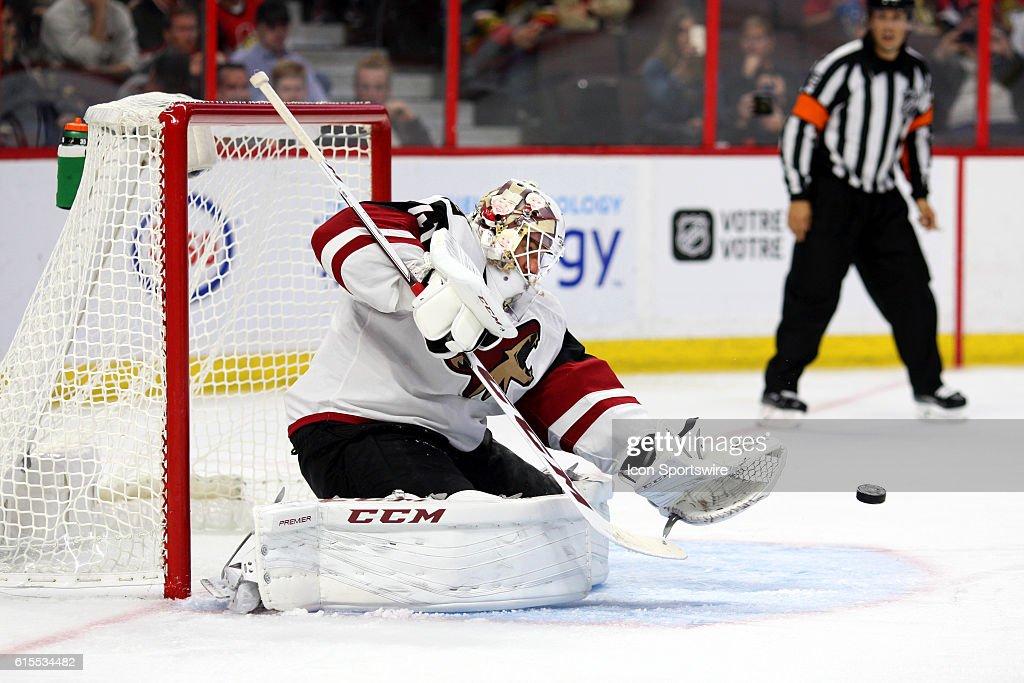 NHL: OCT 18 Coyotes at Senators : News Photo