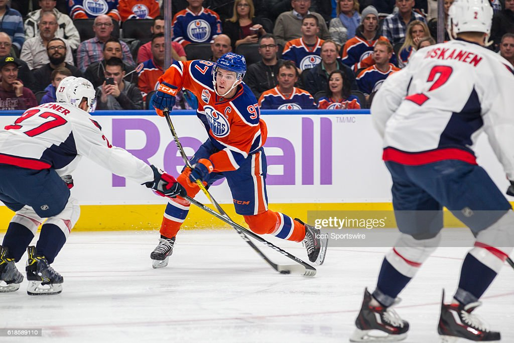 NHL: OCT 26 Capitals at Oilers : News Photo