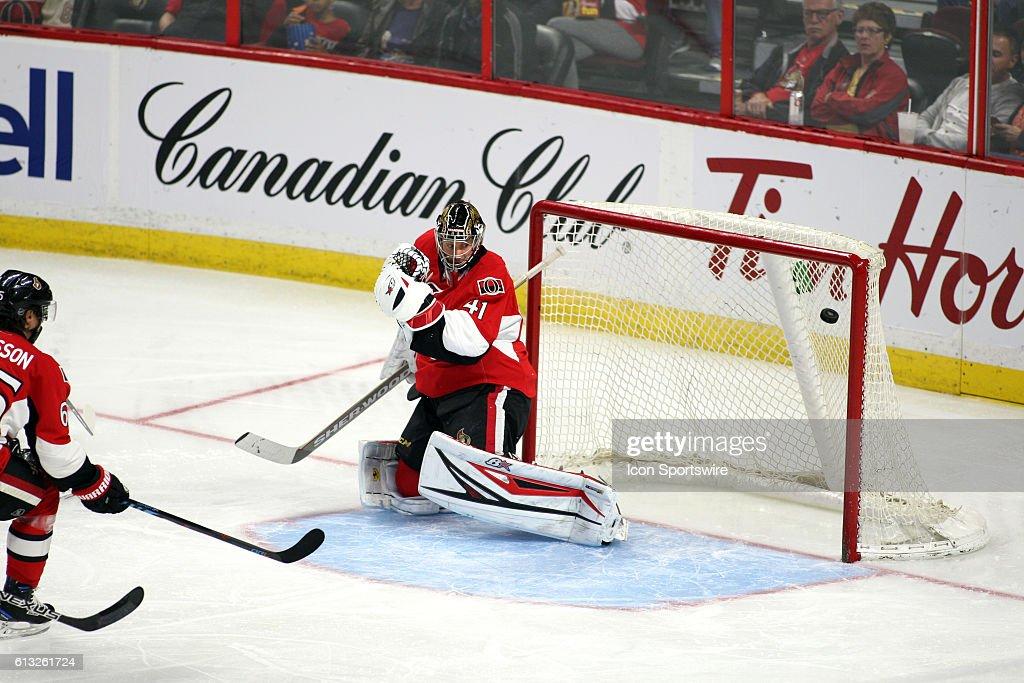 NHL: OCT 07 Preseason - Sabres at Senators : News Photo