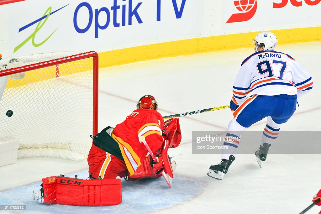 NHL: OCT 14 Oilers at Flames : News Photo