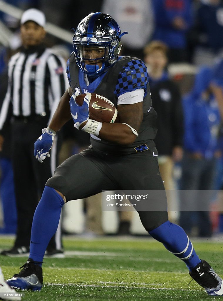 Kentucky Wildcats Running Back Benny Snell Jr. in action ...