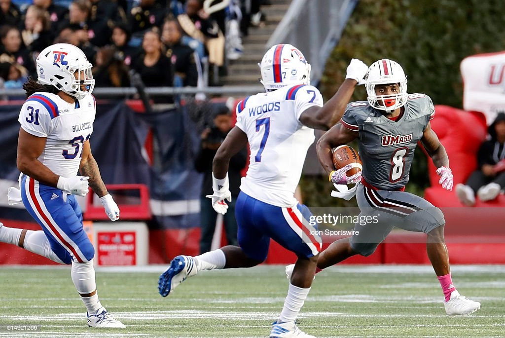 NCAA FOOTBALL: OCT 15 Louisiana Tech at UMass : News Photo