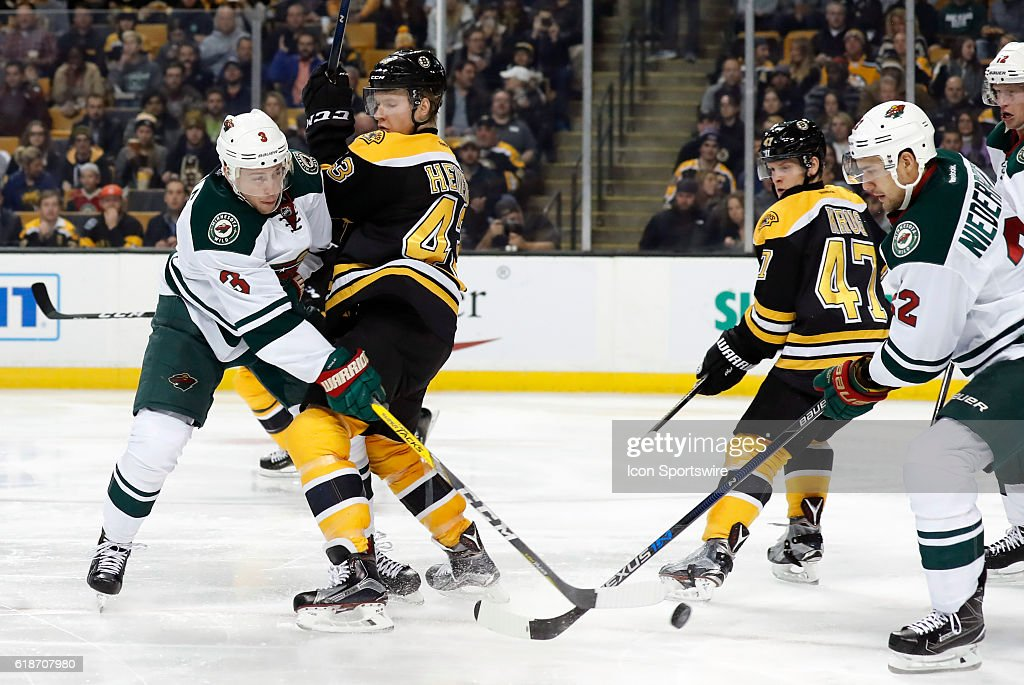 NHL: OCT 25 Wild at Bruins : News Photo