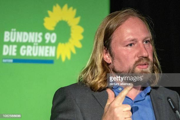 20 October 2018 Germany Regensburg Anton Hofreiter chairman of the Bundestag faction of Alliance 90/The Greens speaks to the delegates at the...