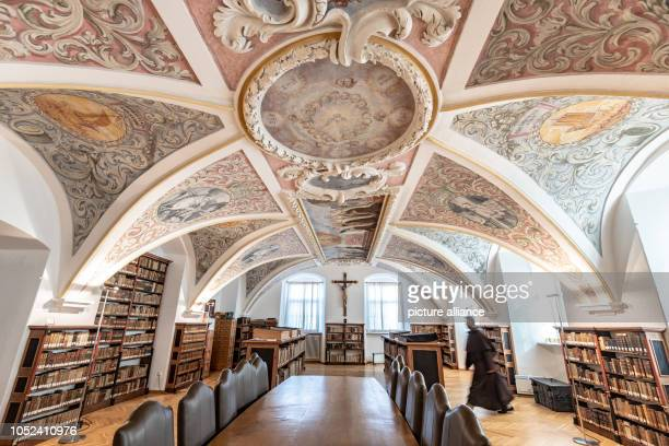 October 2018, Bavaria, Straubing: The library at the Carmelite monastery. Photo: Armin Weigel/dpa