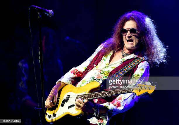 17 October 2018 Germany Berlin Glenn Hughes British rock musician stands onstage in the Admiralspalast Photo Britta Pedersen/dpaZentralbild/dpa