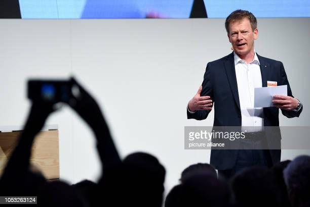 Richard Lutz CEO of Deutsche Bahn AG talks about new products and services at the presentation of Deutsche Bahn Photo Britta...