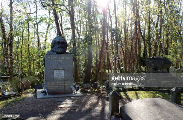 The grave of Karl Marx at Highgate cemetary in London Photo Christoph Driessen/dpa