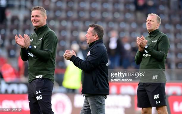 07 October 2018 Germany HamburgSoccer 2nd Bundesliga 9th matchday FC St Pauli vs SV Sandhausen at Millerntor Stadium Hamburg's coaching team Markus...
