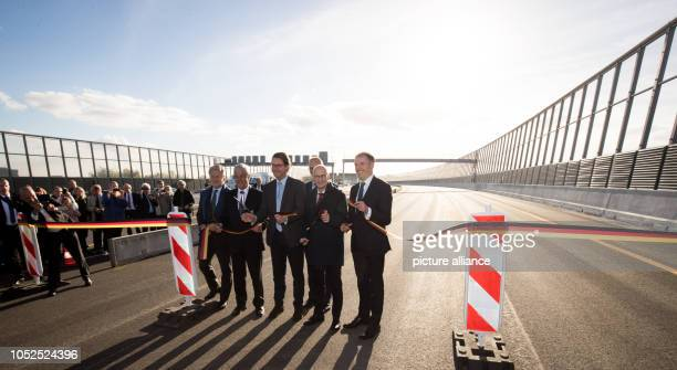 19 October 2018 Germany Hamburg Nikolaus Graf von Matuschka CEO of Hochtief Solutions Frank Horch Senator for Economics Transport and Innovation in...