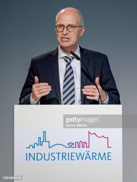 Peter Tschentscher Hamburg's First Mayor speaks at the opening ceremony for the heat pipe from Aurubis to HafenCity The new 35kilometer pipeline will...