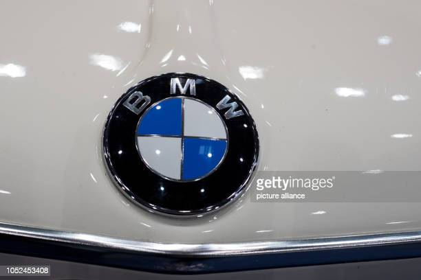 The BMW logo can be seen on a vintage car at an exhibition stand at the 'Hamburg Motor Classics' vintage car fair in the exhibition halls With around...